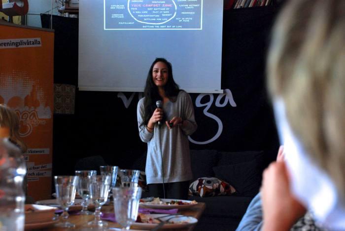 Negin Azimi-föreläsare-Vi unga-entreprenör